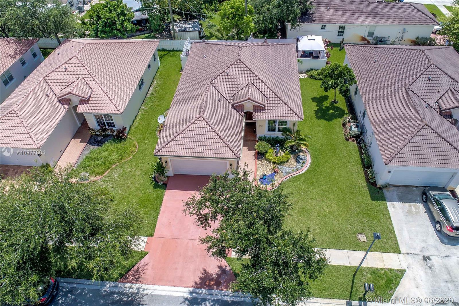 2961 SW 88th Ave  For Sale A10877604, FL