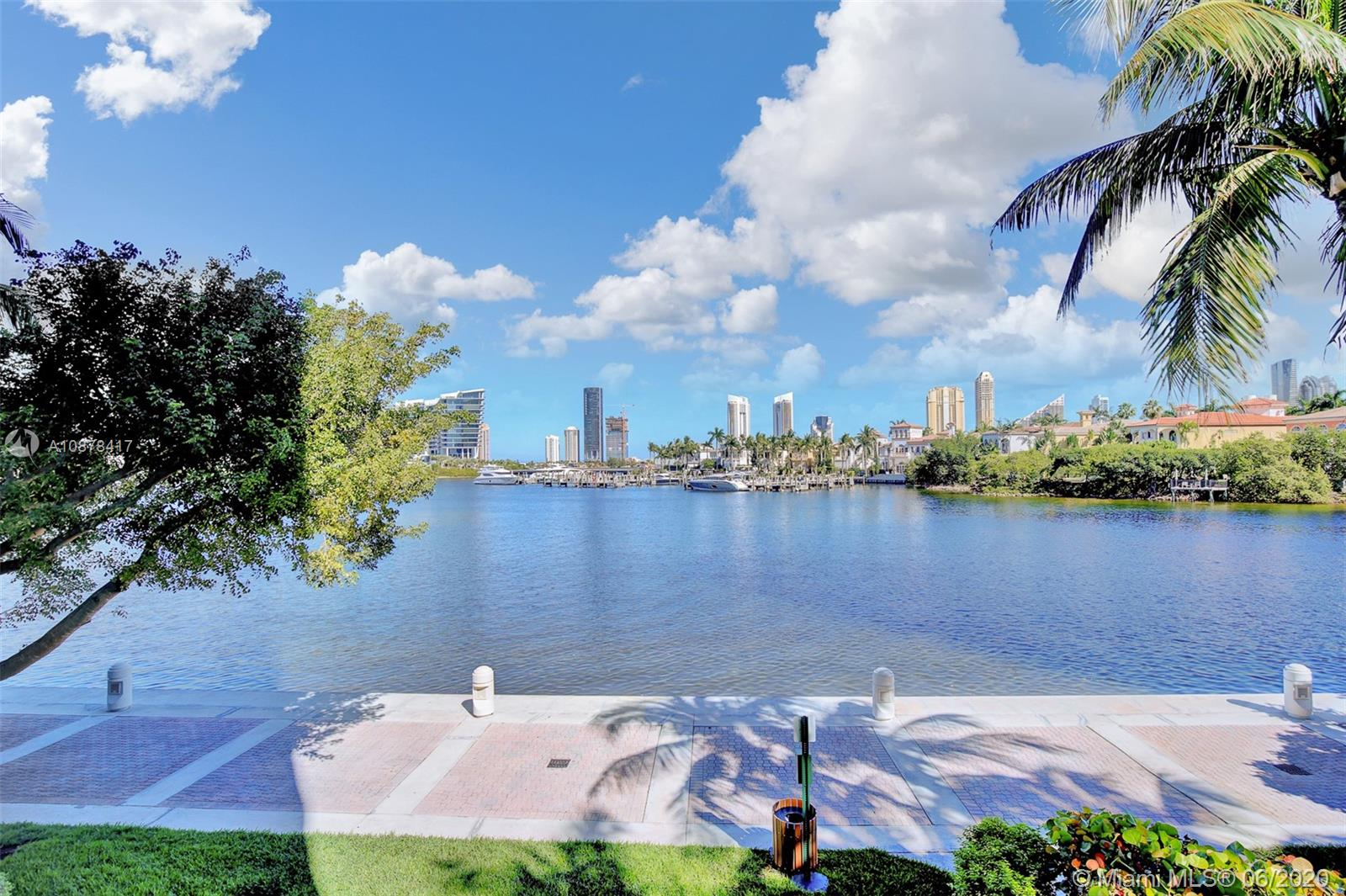 7000  Island Blvd #101 For Sale A10878417, FL