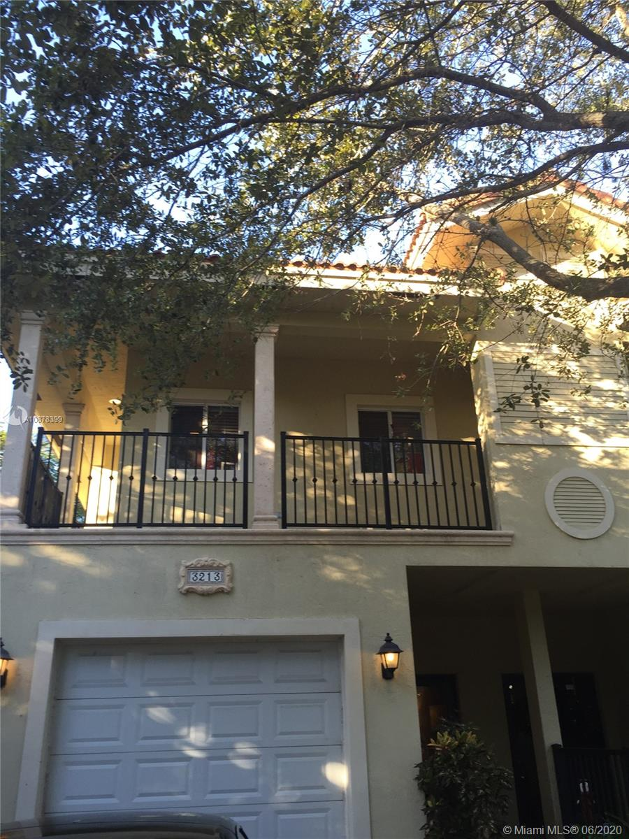 3213  Day Ave  For Sale A10878399, FL