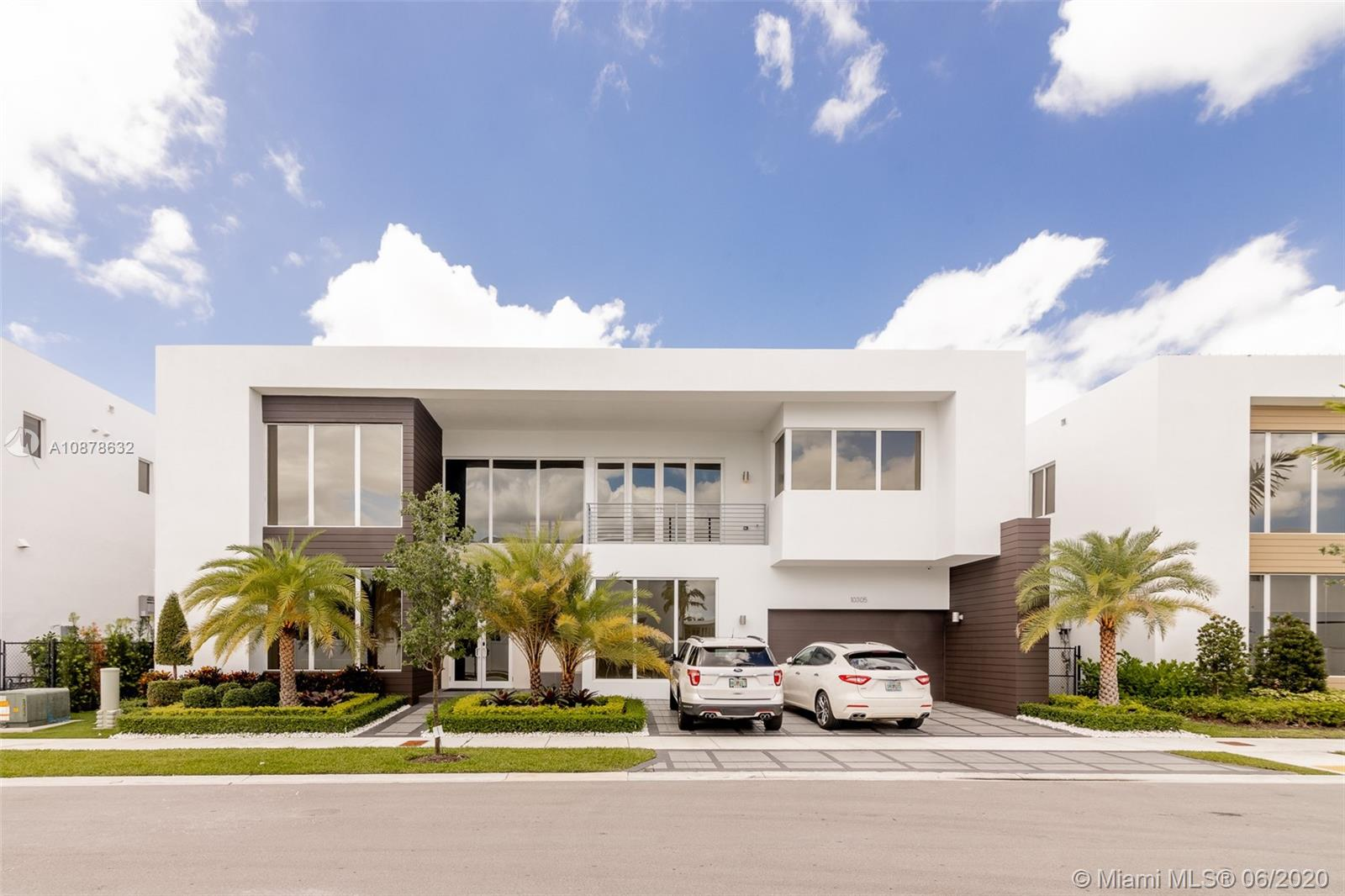 10305 NW 75th Ter  For Sale A10878632, FL