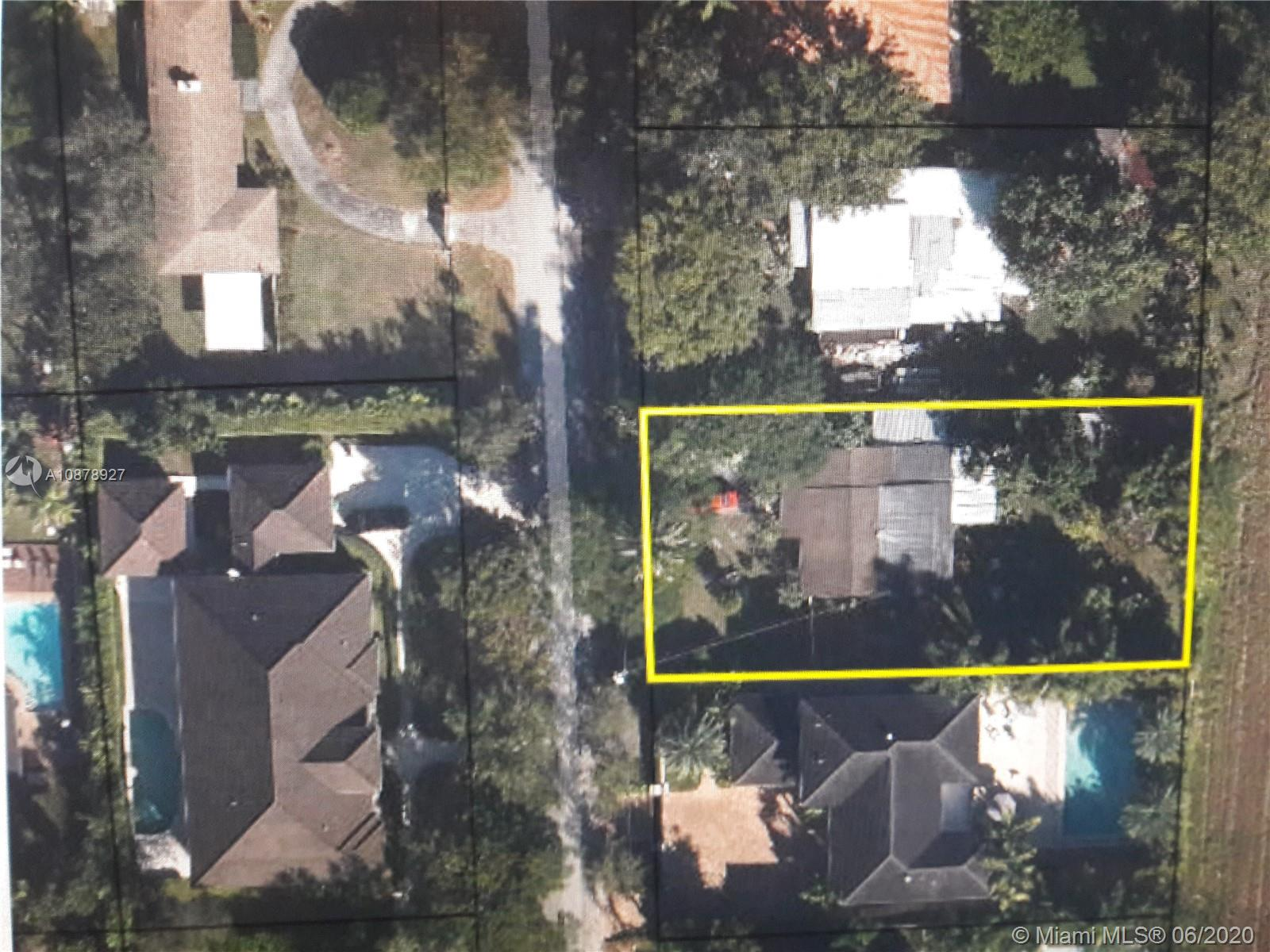 7101 SW 70th Ave  For Sale A10878927, FL