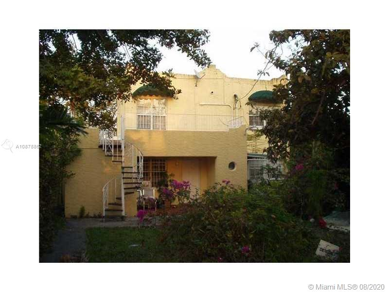 2633 SW 34th Ave #upstairs For Sale A10878862, FL
