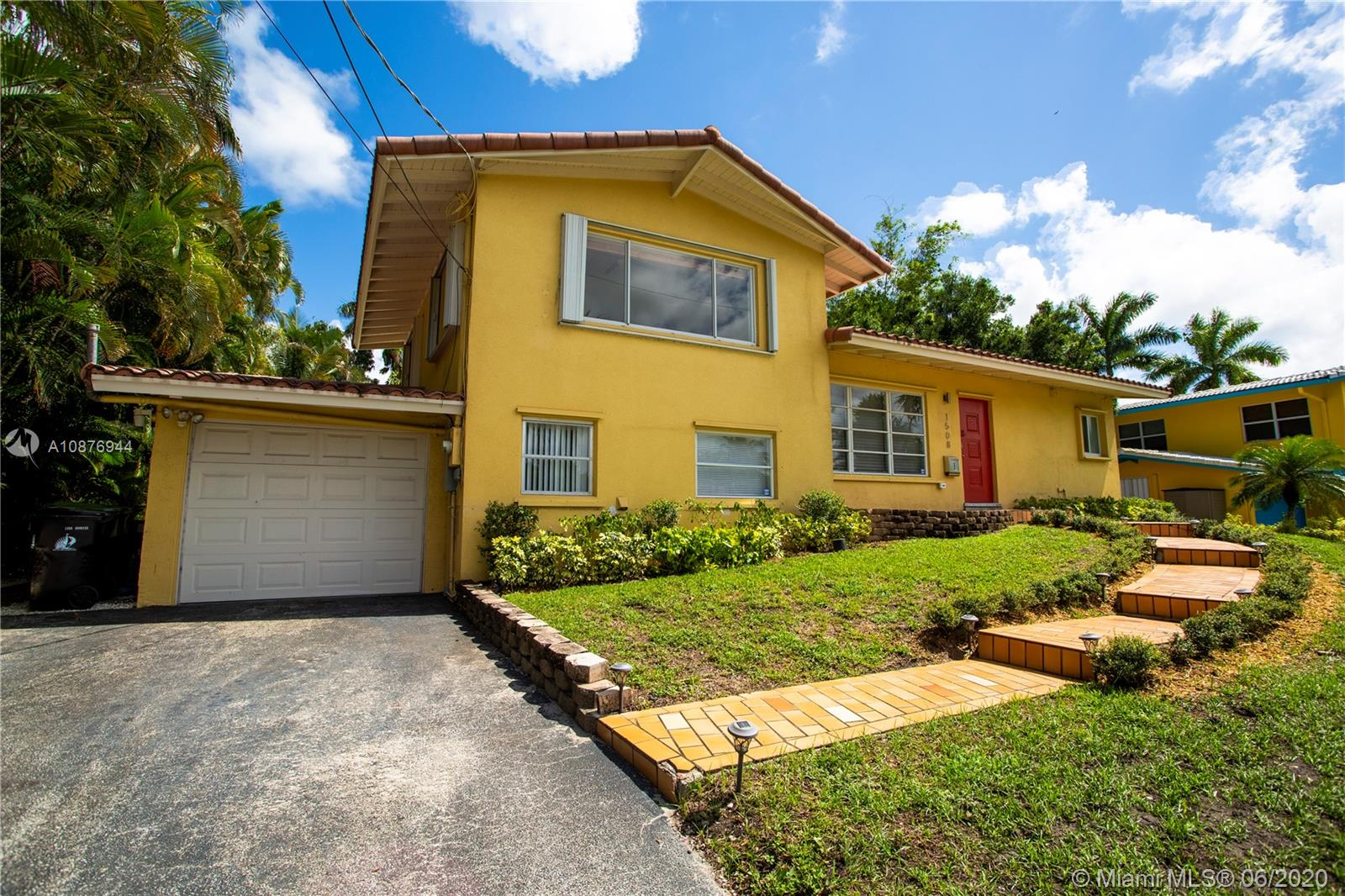 1508 SW 5th Ct  For Sale A10876944, FL