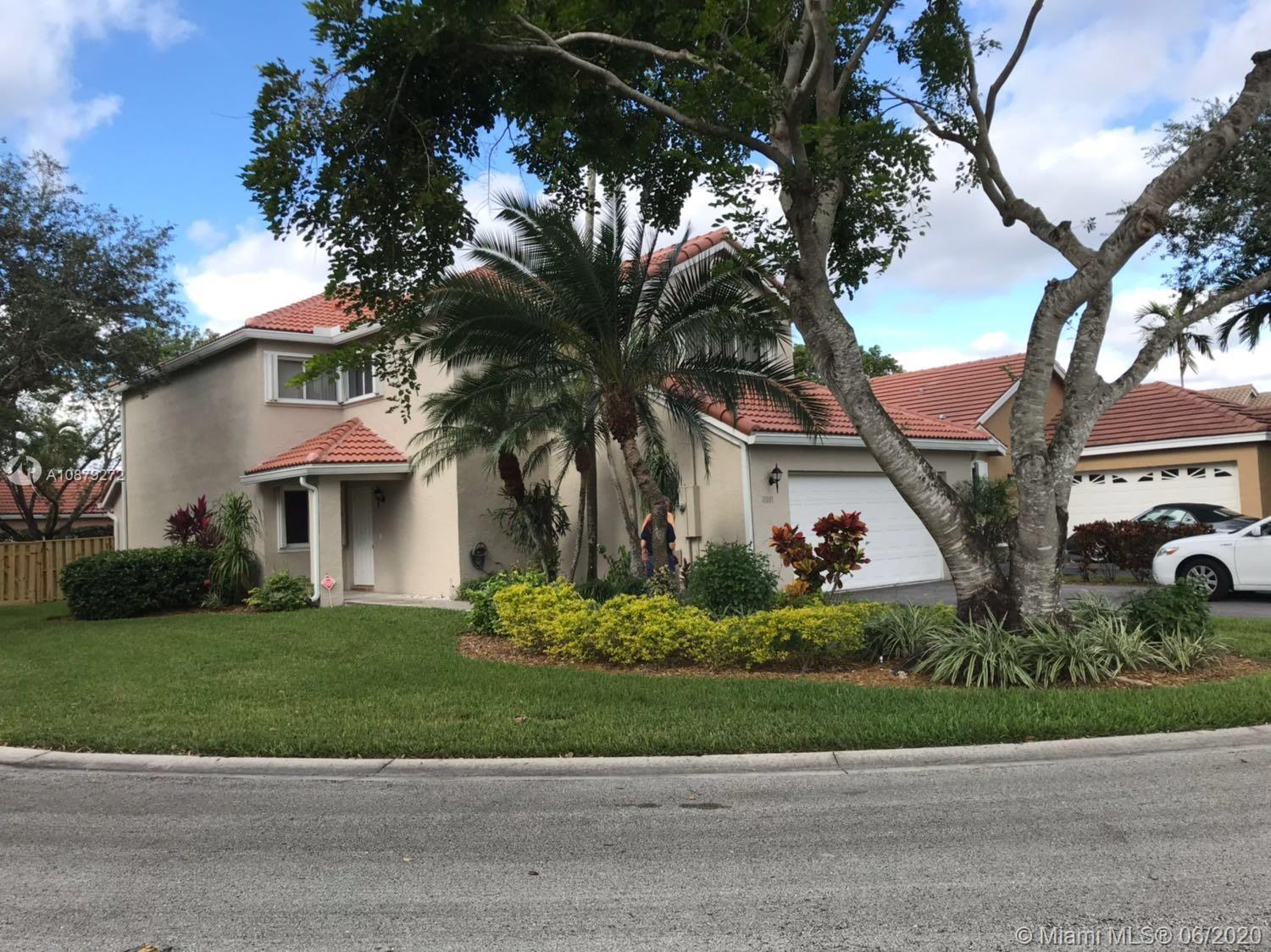 Excellent Location! Sunset Cove Gated Community! Very quiet neighborhood with friendly neighbors. 3 bed 2 1/2 bath. Oversized master bedroom, very bright house on an oversized corner lot! Accordion shutters! Community pool.