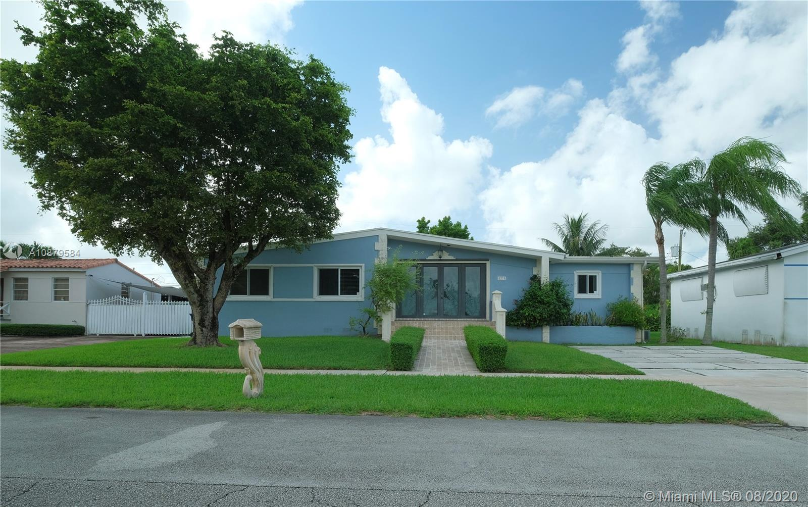 8270 SW 30th St  For Sale A10879584, FL