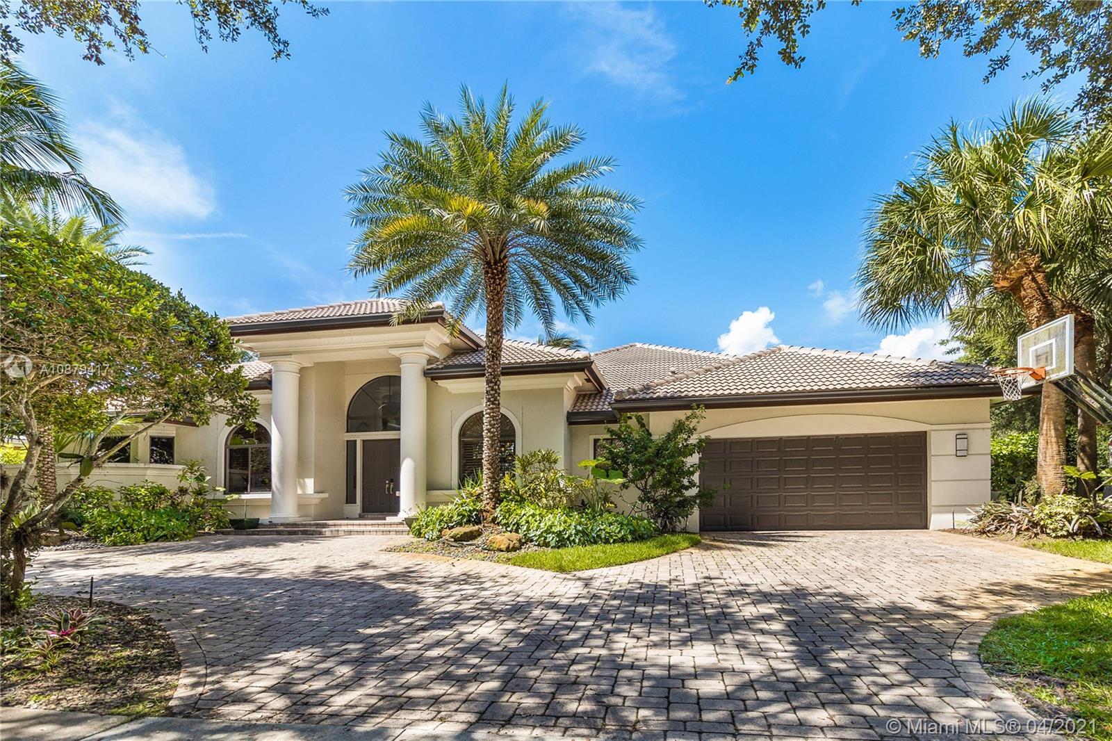3643  Estate Oak Cir  For Sale A10879417, FL