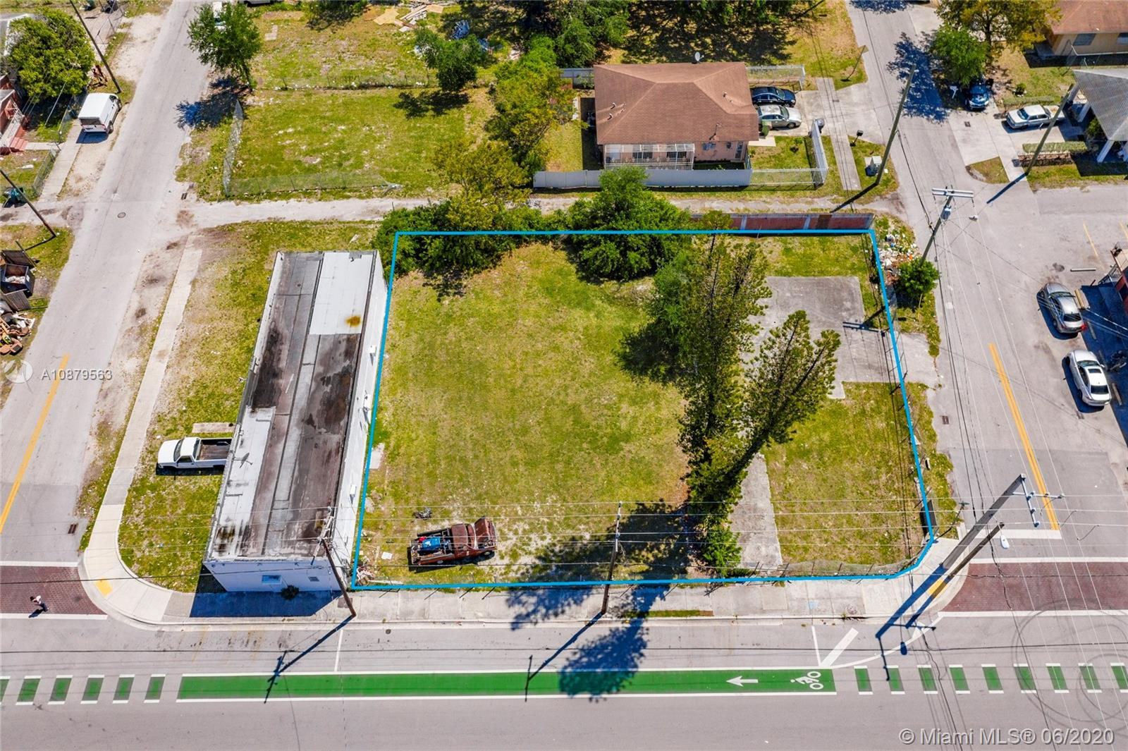 6943 NW 15th Ave  For Sale A10879563, FL