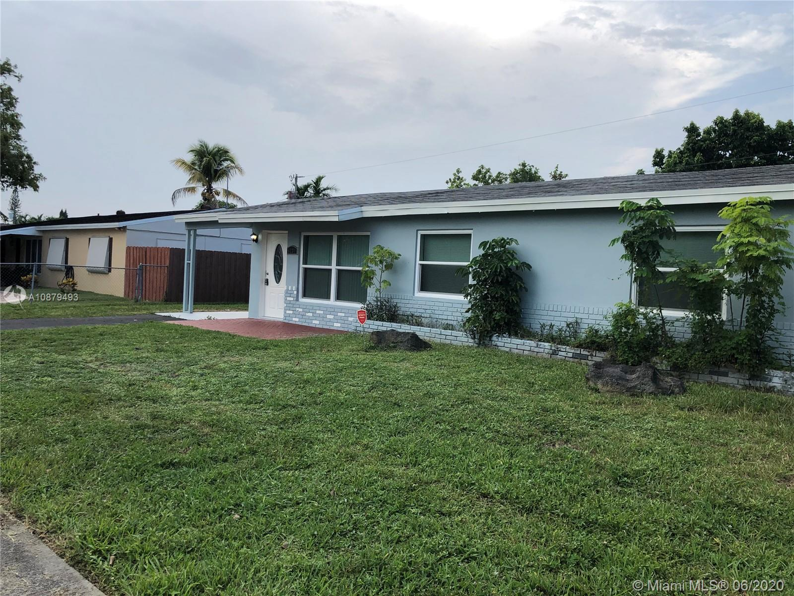 CALLING ALL INVESTORS. Beautifully updated 3 bedroom 2 bath single family home with a bonus quarters. Enjoy this great property as a cash-flow producer, or have it as your primary residency with a multi purpose quarters.See brokers remarks.