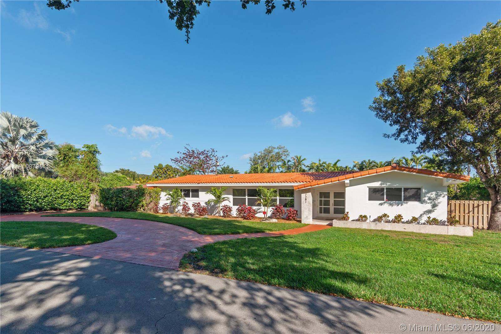 7281 SW 135th Ter  For Sale A10879611, FL