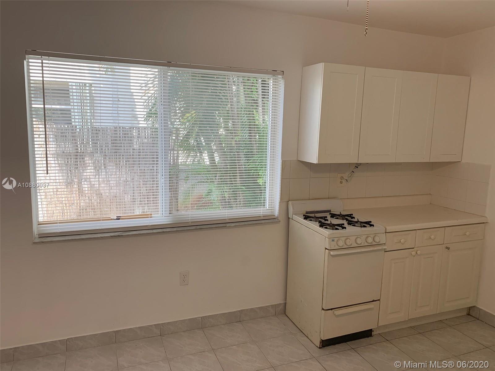 1628  Polk St #2 For Sale A10880037, FL