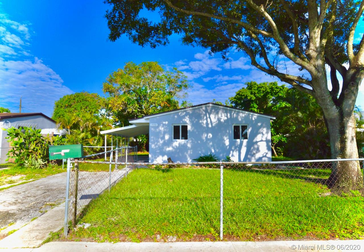 1530 N 70th Ave  For Sale A10880086, FL