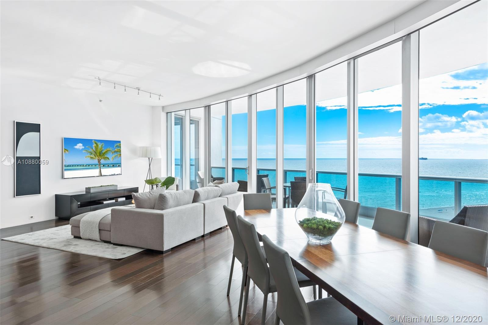 5959  Collins Ave #1502 For Sale A10880059, FL