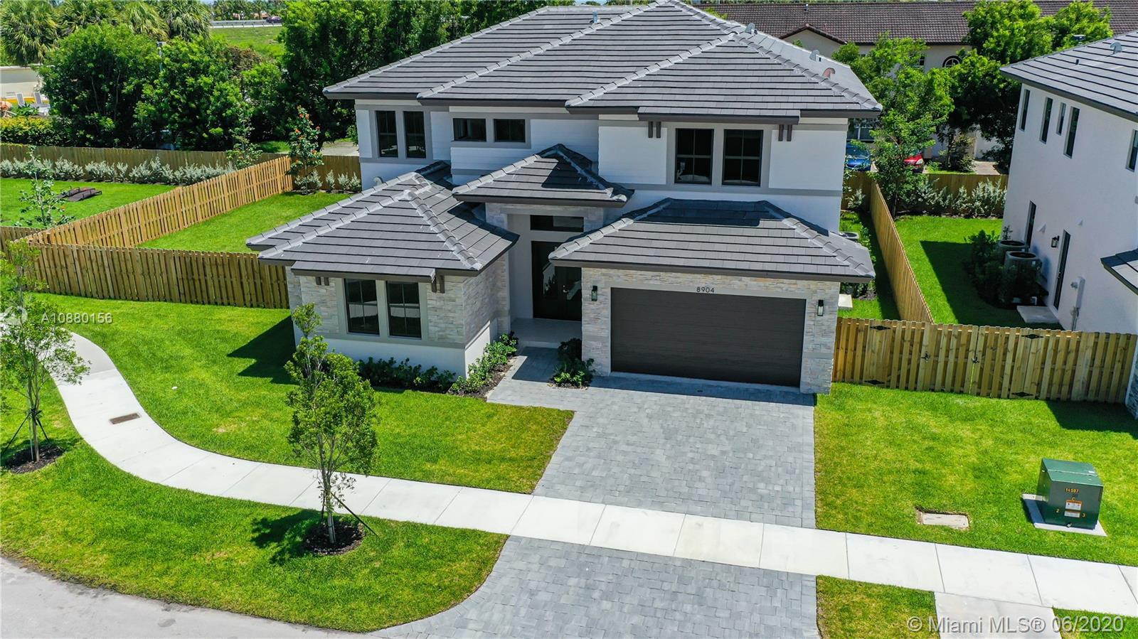 8904 SW 69 Terrace  For Sale A10880156, FL