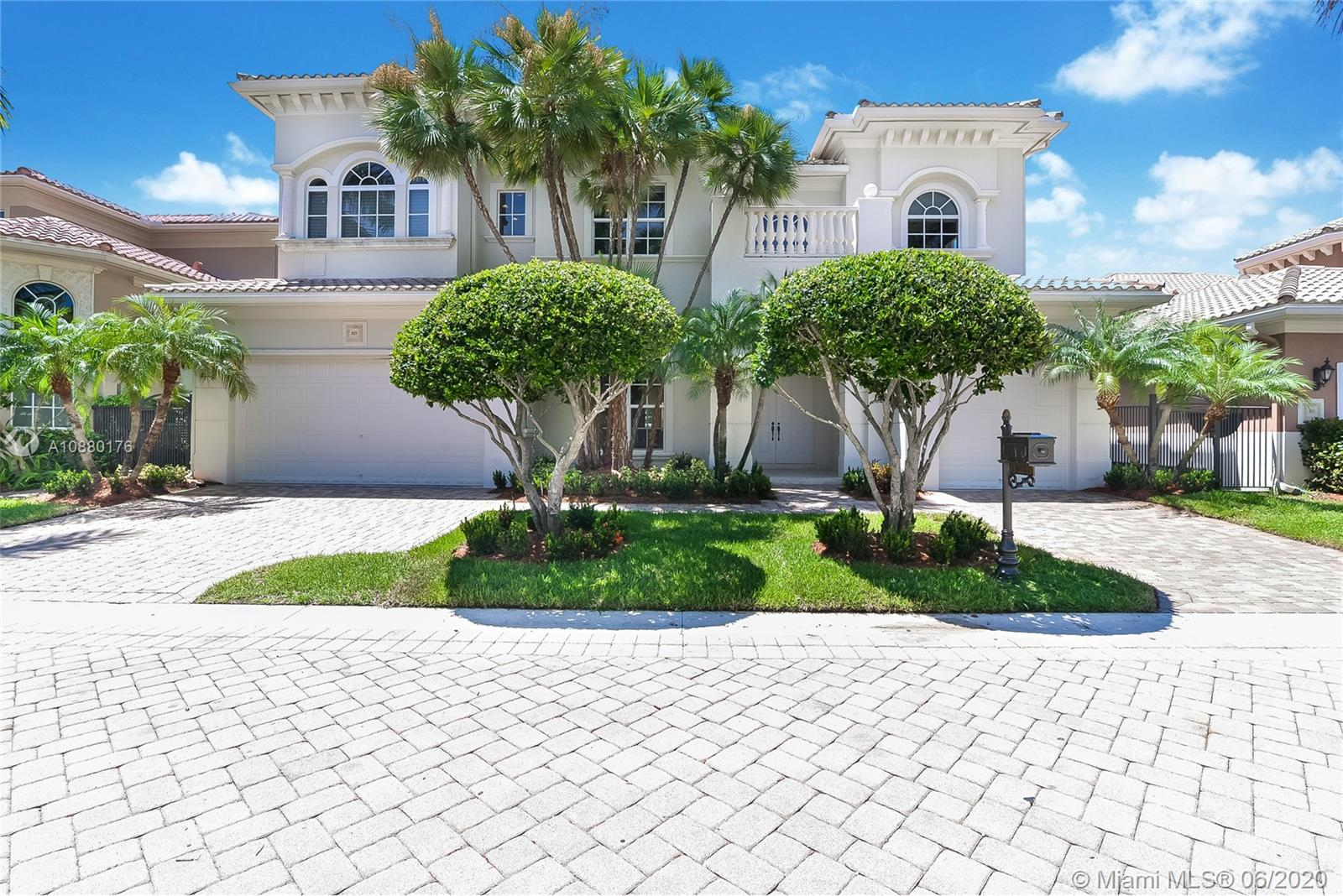 825  Meridian Lane  For Sale A10880176, FL