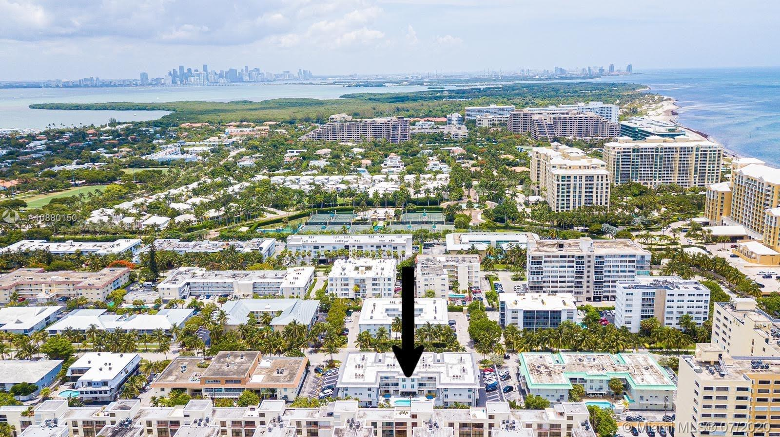 ESPECTACULAR APARTMENT IN THE HEART OF KEY BISCAYNE, INCREDIBLE VIEW, JUST TWO BLOCKS FROM THE OCEAN WITH PRIVATE BEACH ACCESS. READY TO MOVE IN. THIS IS A MUST SEE..PHOTOS COOMING SOON.