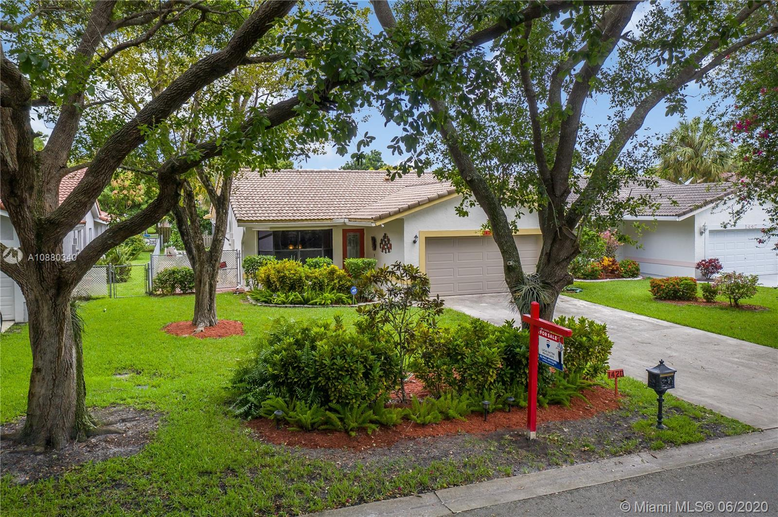 """Hurry to this Gorgeous Upd. 4 Bdrm 2 Bath 2 Car Garage Beauty Nestled on a Oak Tree Lined Street in the Best Loc. of Central C.S. 1 Block from The Walk w/ Rest./Shopping/Barnes & Noble/Kilwins/Starbucks/Trader Joes & much more. Home Boasts an Open Triple Split Floor Plan, w/ Vaulted Knockdown Textured Ceilings, Screened in Patio & Huge Fenced yard w/ Champagne Mango, Avocado & Green Apple Trees. Int. feat. incl. a remod. Kitchen w/ 42"""" Maple Hardwood Cabinets/S.S. Appl./Granite Counters/Island/Under counter lighting/soft close dovetail drawers & in cabinet recycle bins. Master Suite also has vaulted ceilings & remod. bath w/ double sinks & Porcelain tile Roman shower. Working Spa on Patio. New Water Heater & A/C. New Paint Inside/Out. 8 Yr. New Roof & Parking for over 7 cars. No HOA Hurry!"""