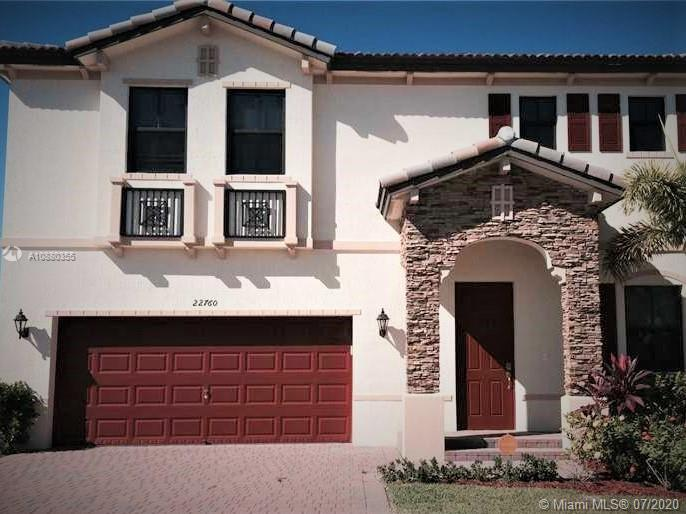 22760 SW 105th Ave  For Sale A10880355, FL