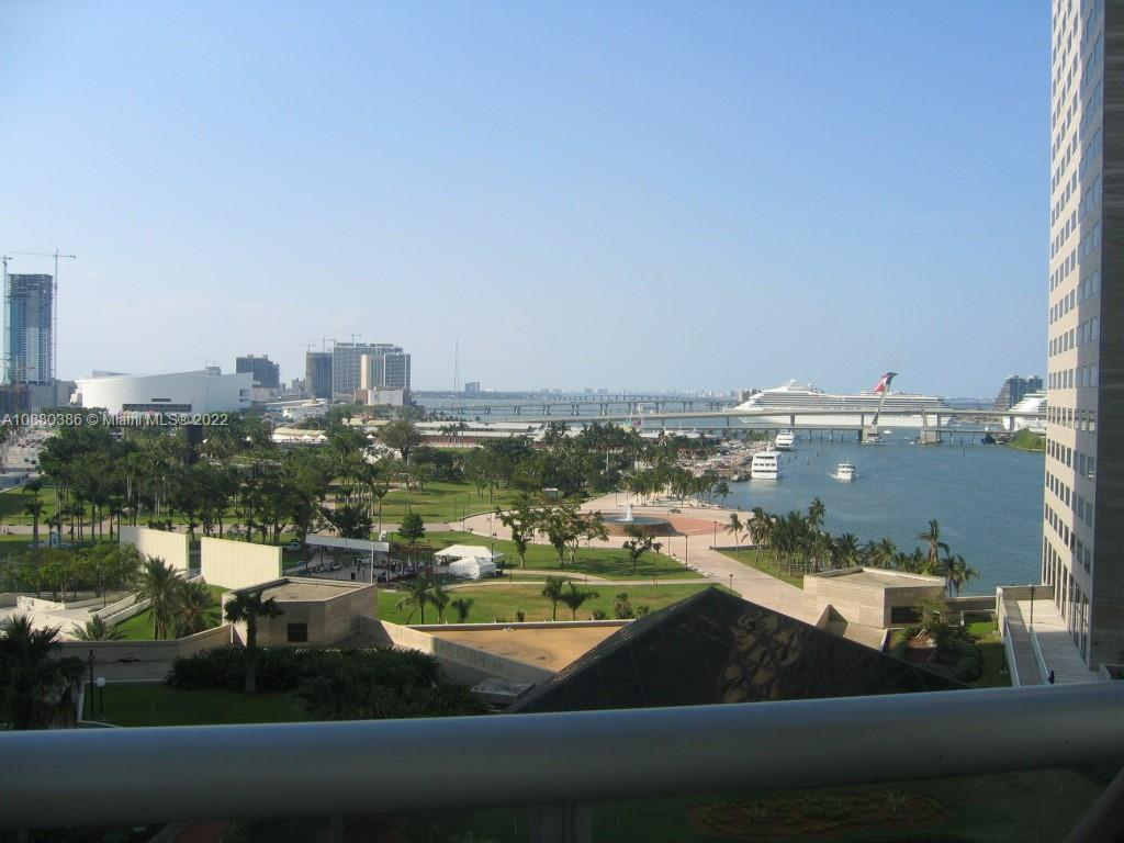 Lease by month permitted,  4x8 Included on the six floor   Priced to sell. Beautiful 1 bed 1 bath condo at The One Miami. Experience Downtown living with a fabulous view of Biscayne Bay and Brickell skyline from the 35th Floor. HOA dues include basic cable TV, internet, and water. Enjoy full service of Resort Style amenities 2 gyms, 2 pools and Jacuzzi, 2 Party Rooms, Mini Market, 24-Hour Security, Concierge and Valet, Sun Deck and Spa, Fitness Center, Conference Room and Restaurants.