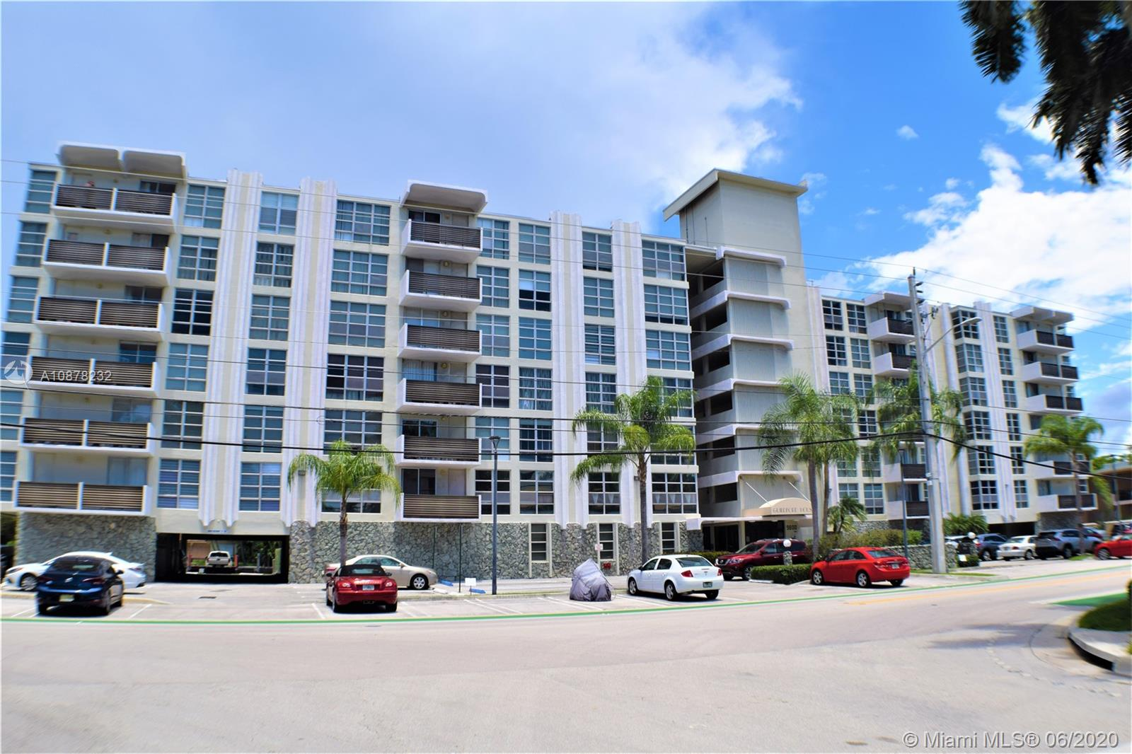 9800 W BAY HARBOR DR #602 For Sale A10878232, FL