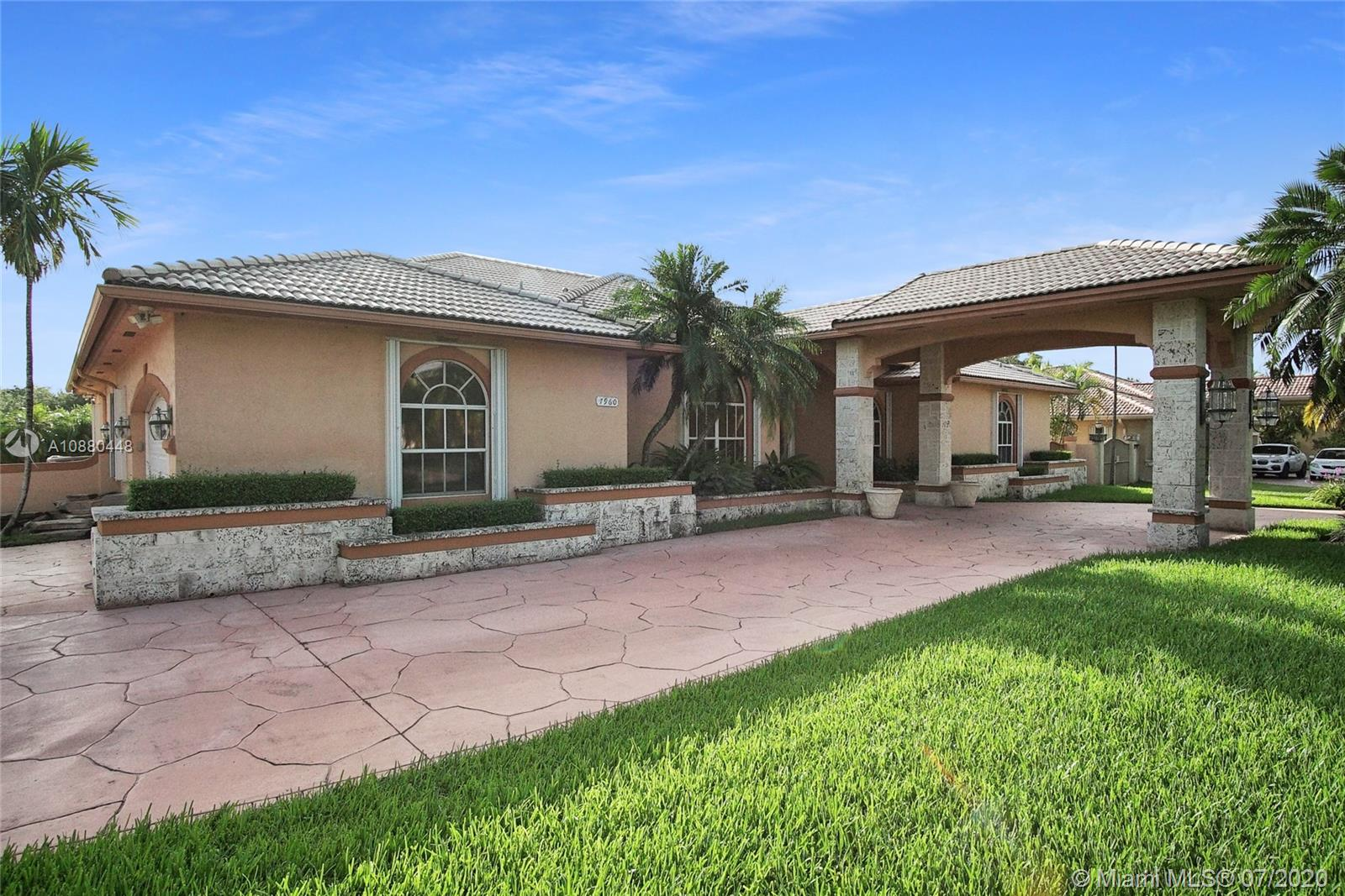 7960 SW 120th Pl  For Sale A10880448, FL