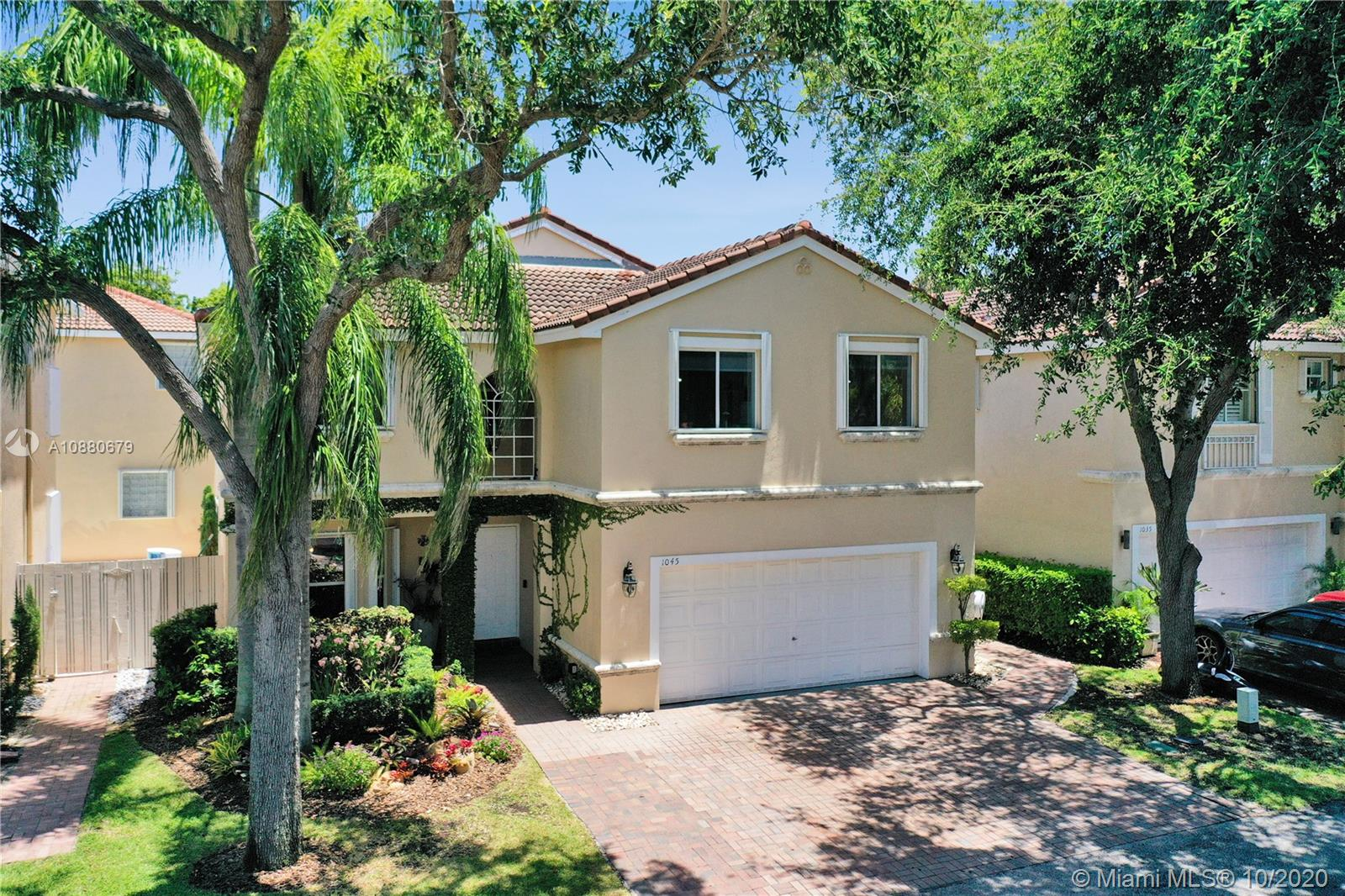 1045  Papaya St  For Sale A10880679, FL