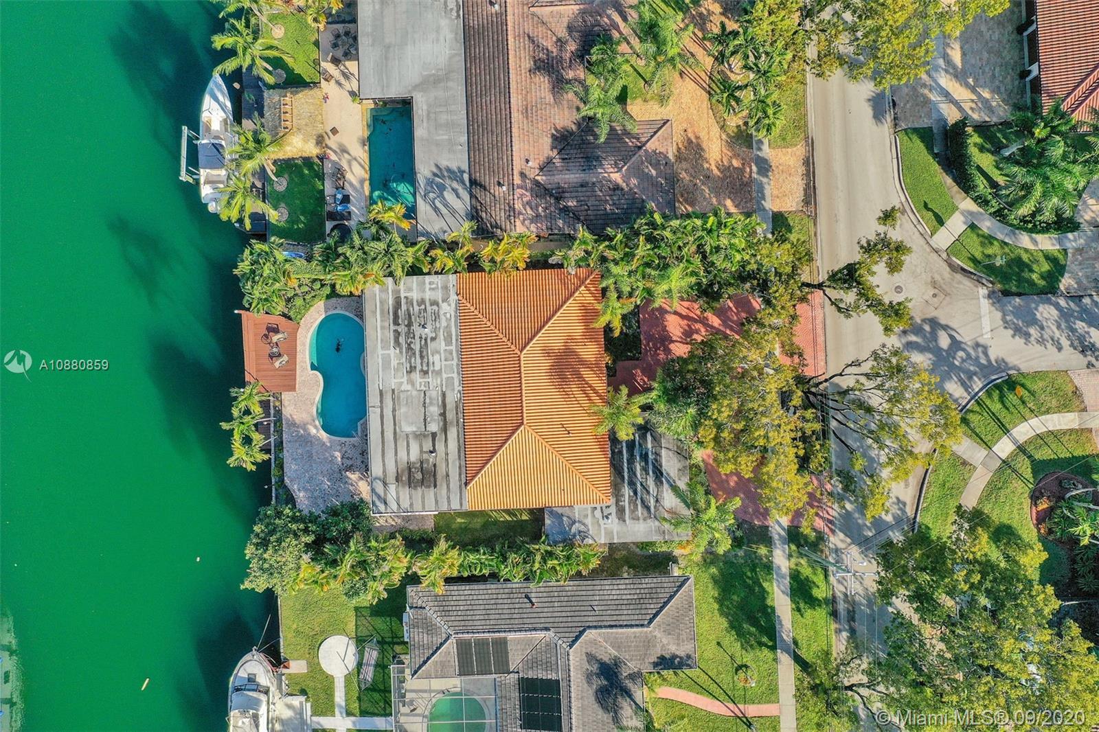 2315  Biscayne Bay Dr  For Sale A10880859, FL