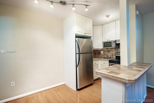 3071 SW 27th Ave #21 For Sale A10880887, FL
