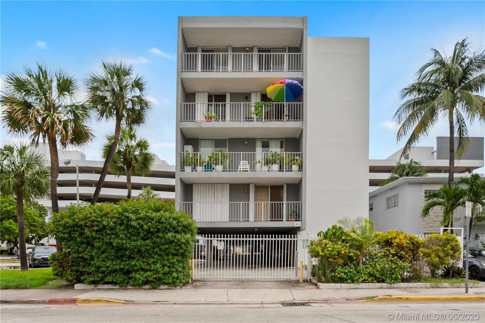 1615  West Ave #402 For Sale A10880261, FL
