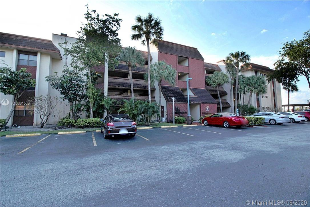 511  Ives Dairy Rd #302-6 For Sale A10881539, FL