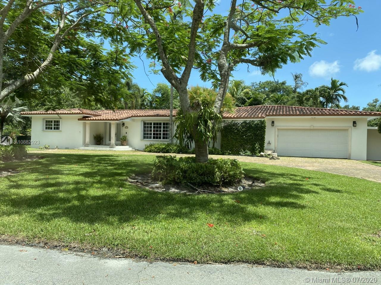 6910 SW 75th Ter  For Sale A10882923, FL