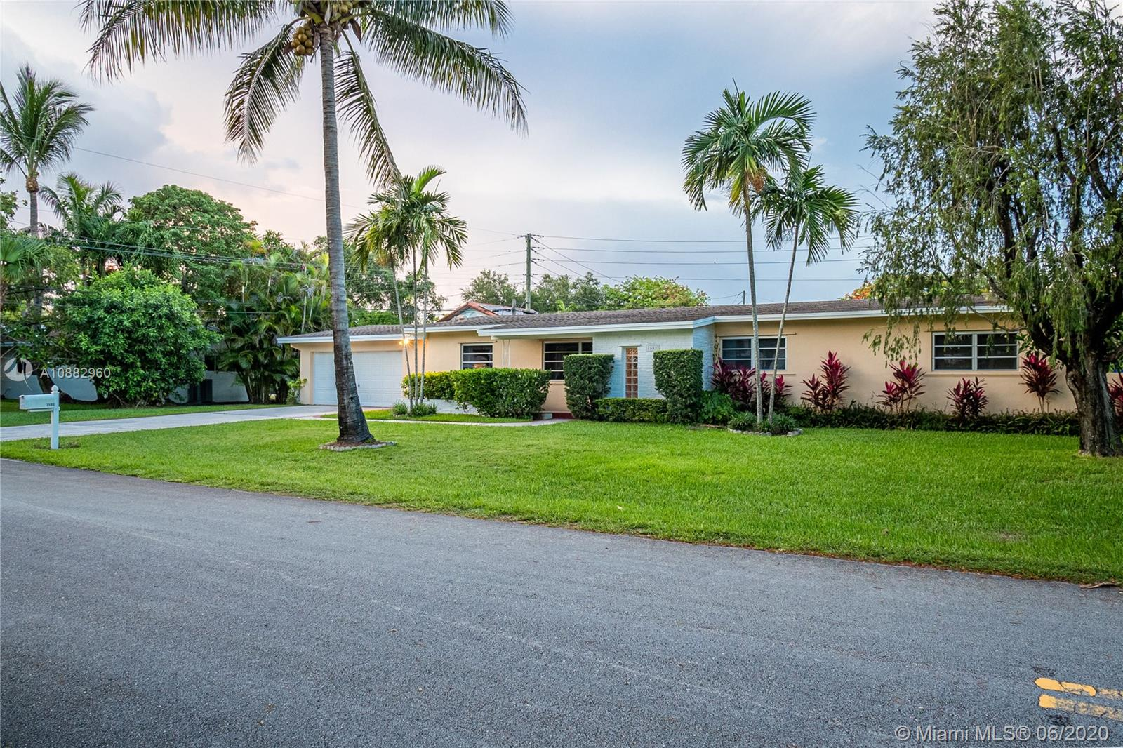 7501 SW 137th St  For Sale A10882960, FL