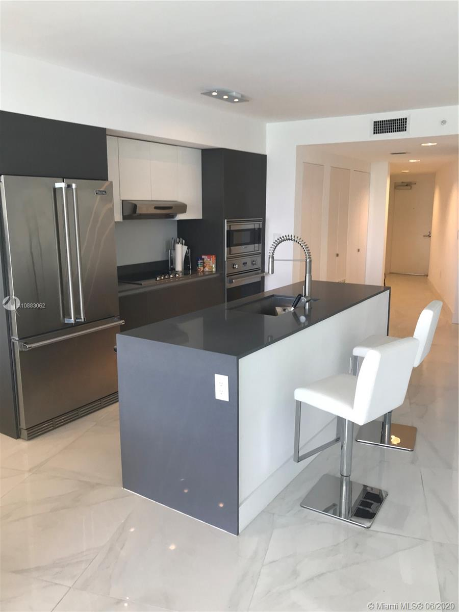 O'RESIDENCE IS A BOUTICQUE BLD IN THE HEART OF BAY HARBOR, 2 BED AND 2 BATH WITH A INCREDIBLE VIEWS OF THE INTRACOSTAL WATER WAYS.10 MIN WALKING YTO THE BEACH AND TO BAL HARBOUR SHOPS.FULL GYM ,HOT-TUB, WATER SPORTS,SUNSET POOL A MUST SEE UNIT.