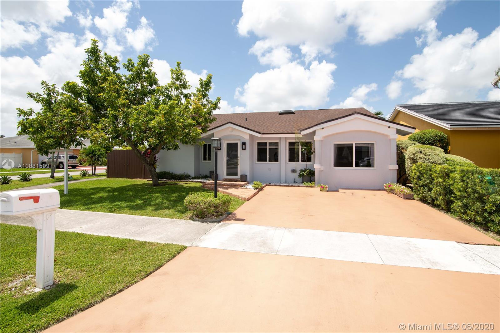 14402 SW 108th Ter  For Sale A10881509, FL