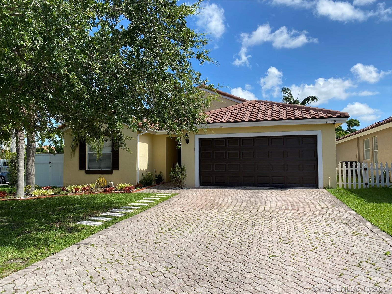 13529 SW 144th Ter  For Sale A10877146, FL