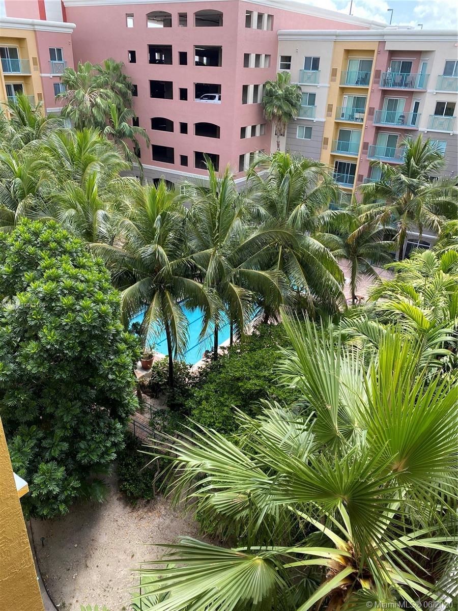 6001 SW 70th St #638 For Sale A10883186, FL