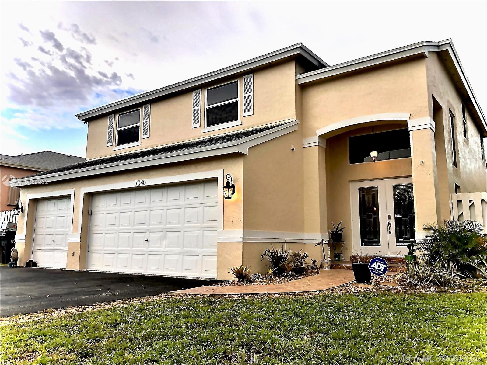7040 SW 41st Ct  For Sale A10881262, FL