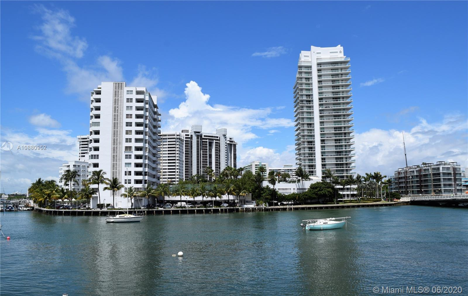 1662  Lincoln Ct #204 For Sale A10880952, FL