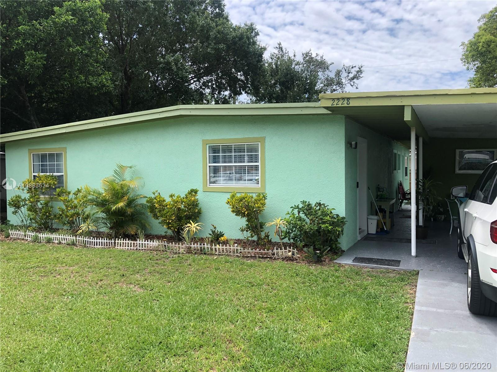 2228 W Oak Street, Other City - In The State Of Florida, FL 34741