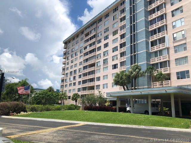 4001  Hillcrest Drive #1006 For Sale A10881061, FL