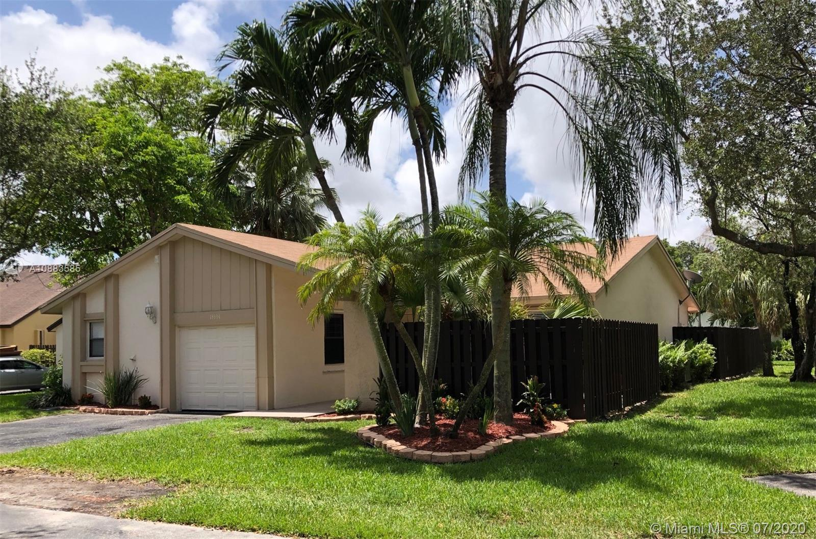 13594 SW 114th Ter  For Sale A10883585, FL