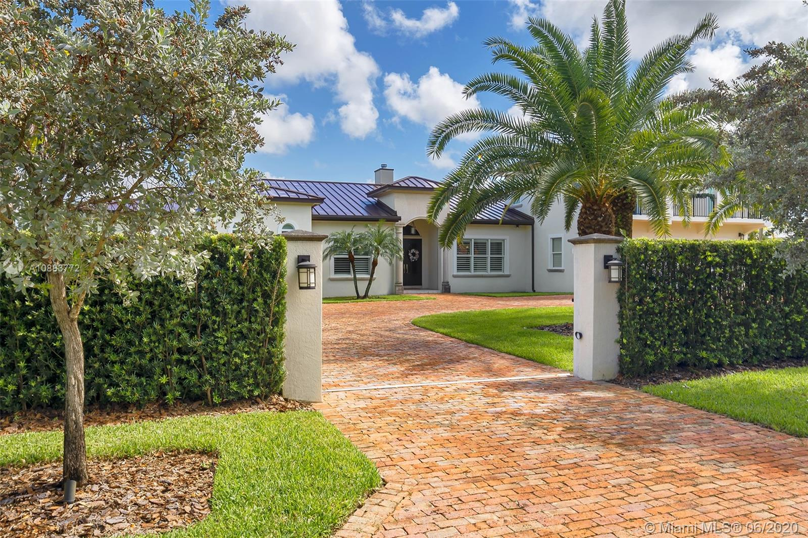 9885 SW 96th St  For Sale A10883772, FL