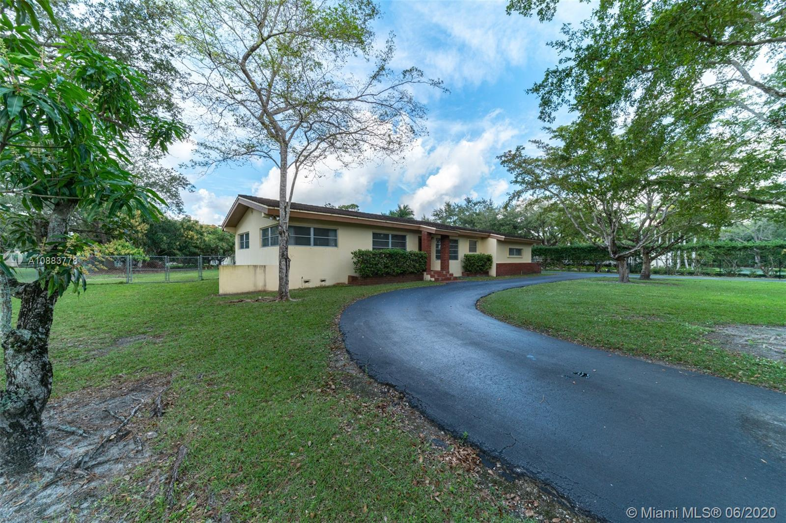 7030 SW 82nd Ave  For Sale A10883778, FL