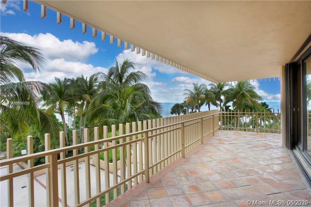 2  Grove Isle Dr #B401 For Sale A10881694, FL
