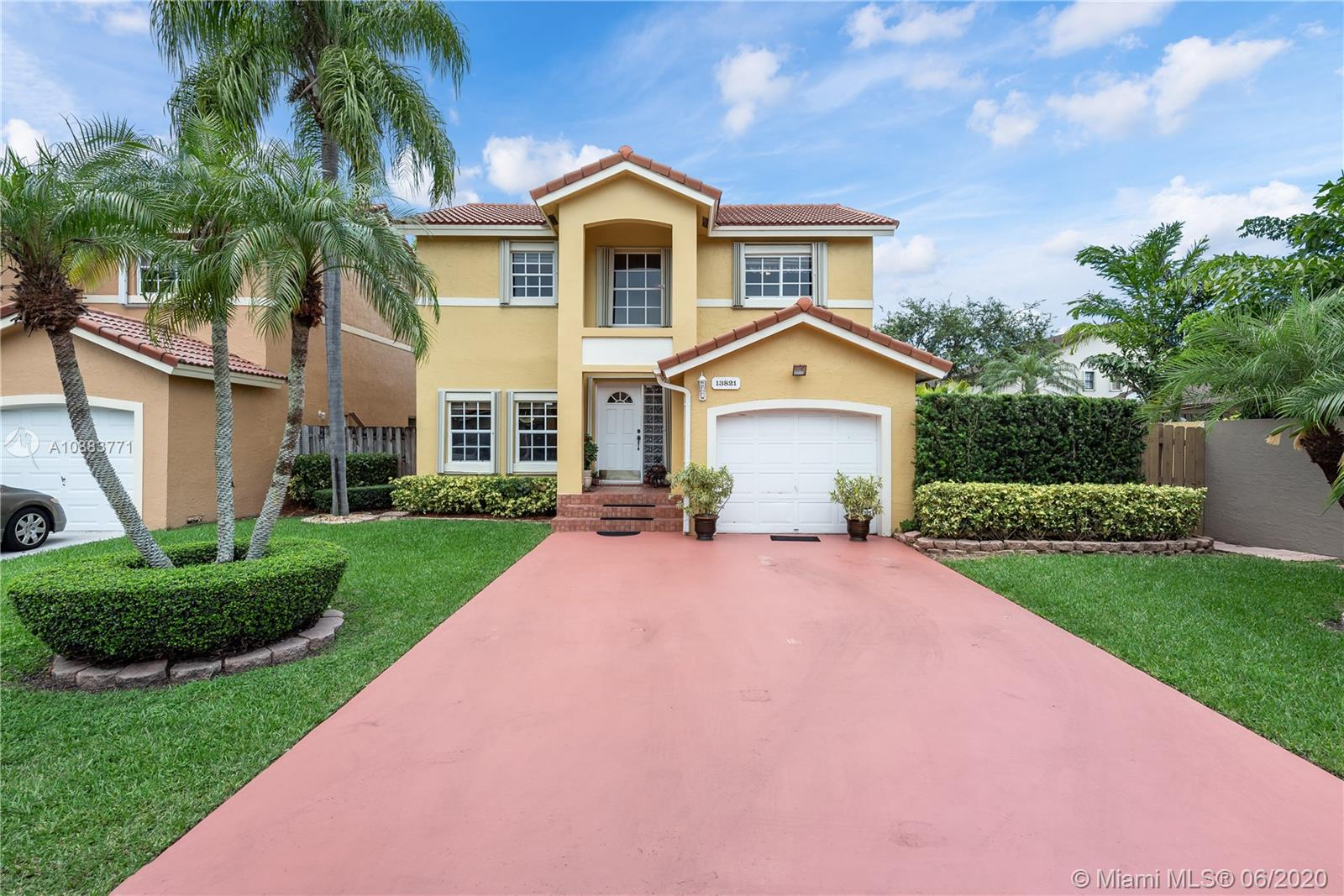 13821 SW 102nd Ter  For Sale A10883771, FL