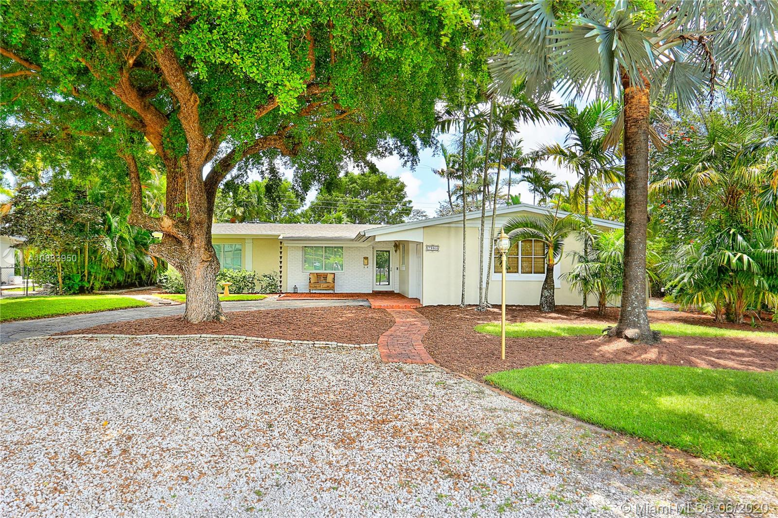 7980 SW 89th Ter  For Sale A10883950, FL