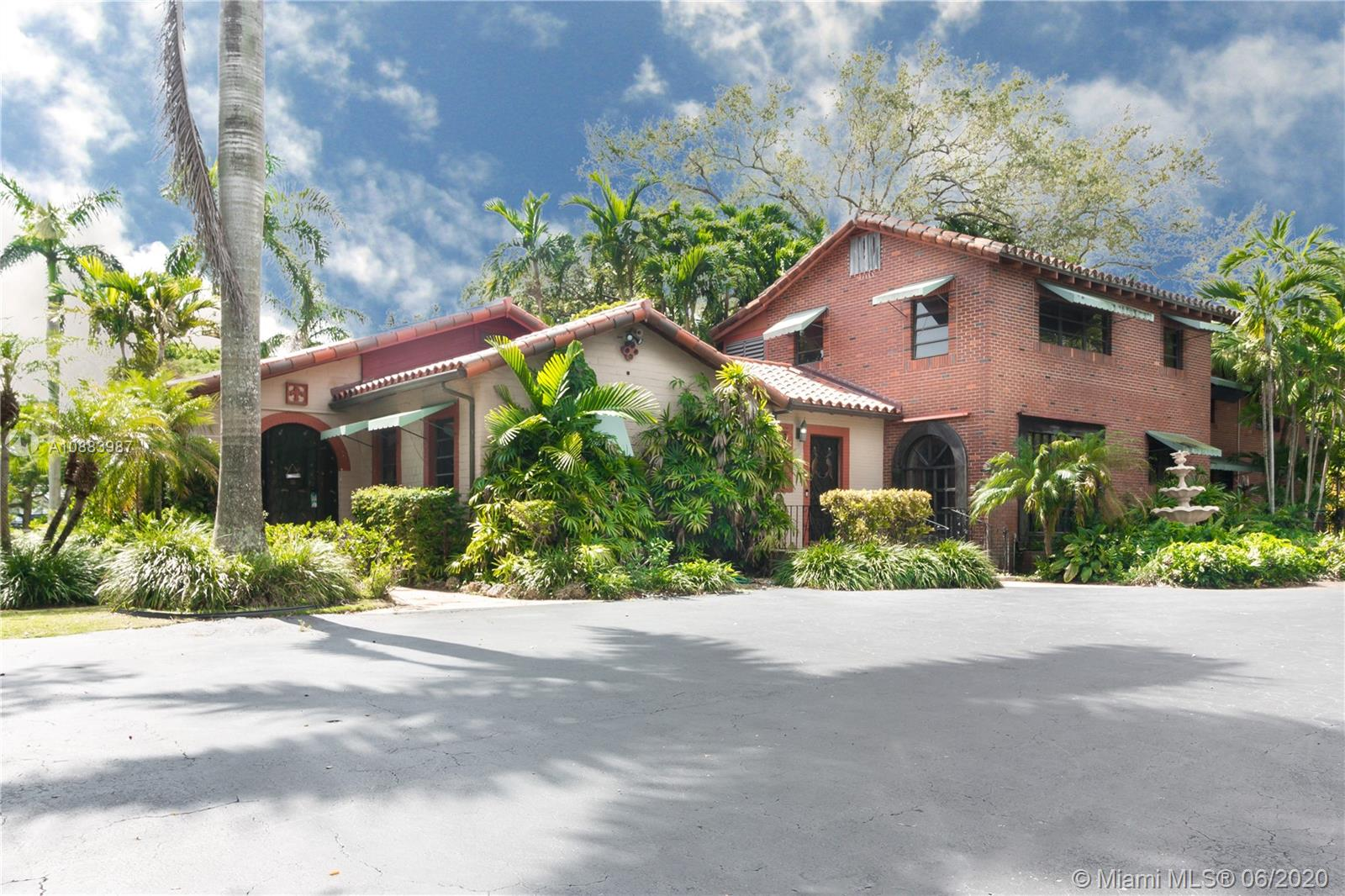 11220 SW 57th Ct  For Sale A10883987, FL