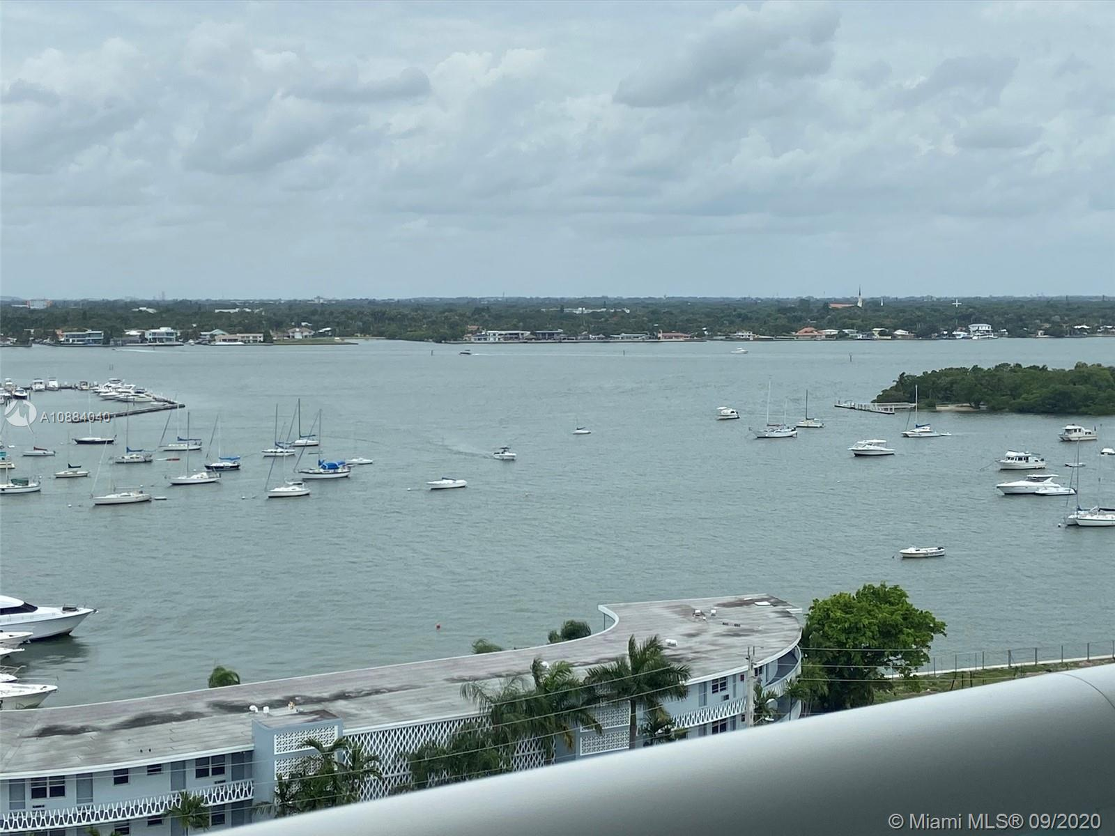 Beautiful condo with views of Biscayne Bay. Split floor plan with lots of closet space. Open kitchen with lots of natural light and impact glass. 360 features 2 resort-style pool decks, gym, sauna and concierge services through the valet staff .