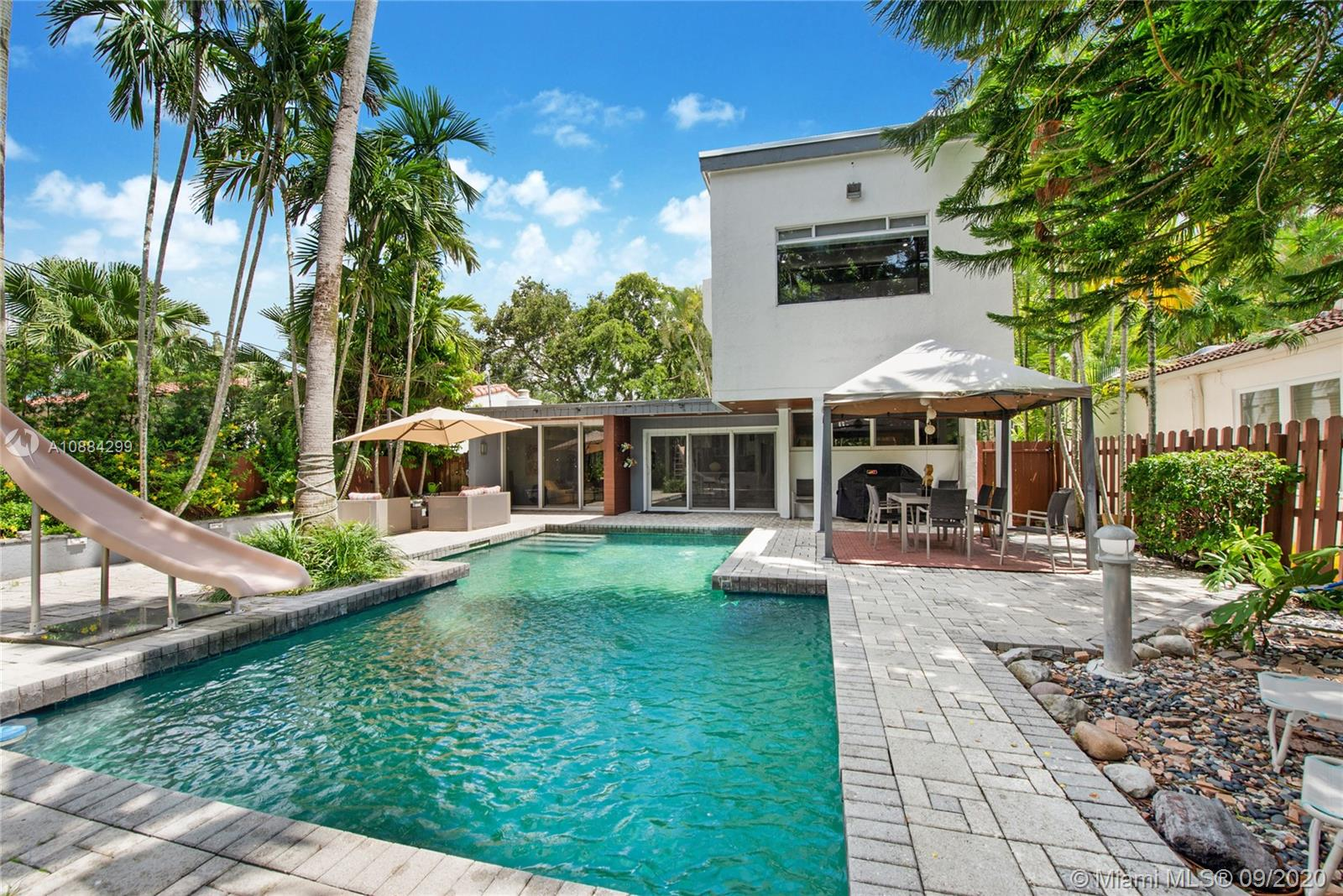 4160  Pamona Ave  For Sale A10884299, FL