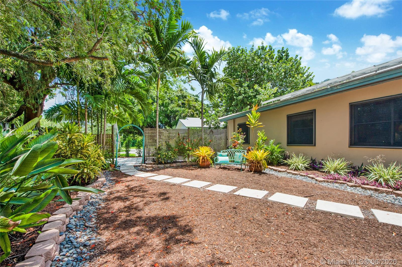 7930 SW 54 Ct  For Sale A10884322, FL