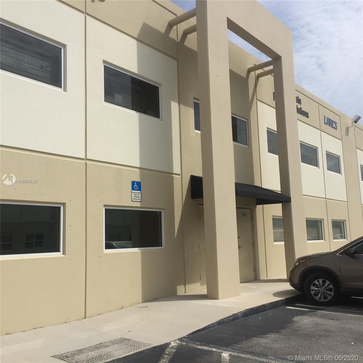 +/-4,000 sqft Dock-Height office/warehouse with nice office distribution and ample, very functional space.   Located in an excellent location just minutes away from the Turnpike, Dolphin Mall and Miami International Mall.
